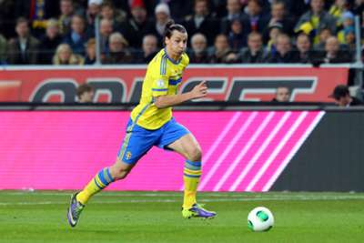 Ibrahimovic breaks Sweden scoring record