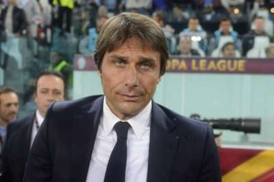 Soccer - Conte issues Cuadrado backing - EPL 2016/2017